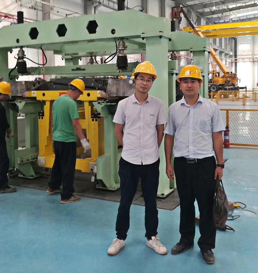 基准工业设计总监刘坤,基准设计机构大区副总经理刘开3.jpg
